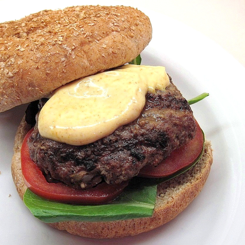 Lamb burger with curried mayonnaise 2