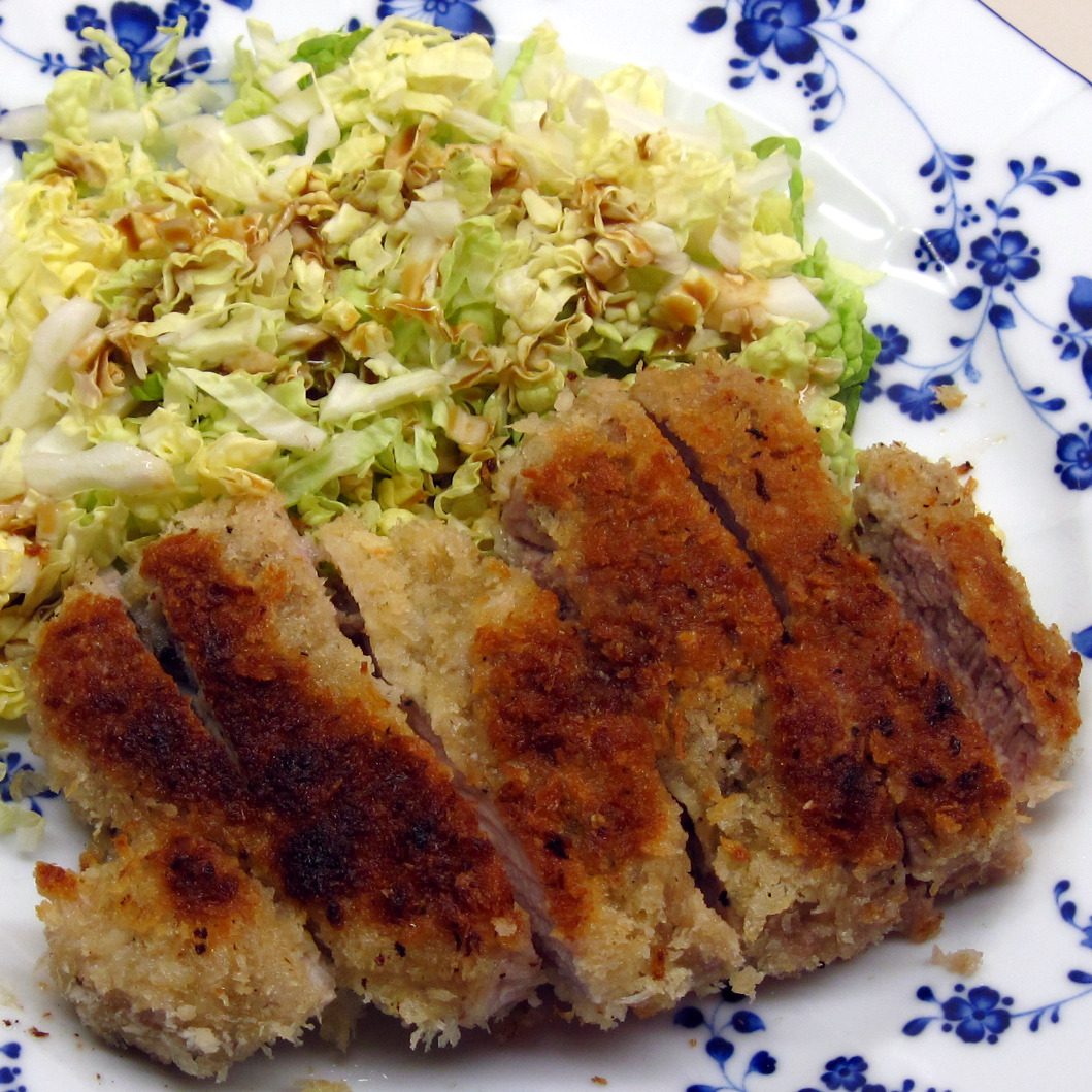 Tonkatsu (Breaded Pork Cutlets) | In the kitchen with Kath