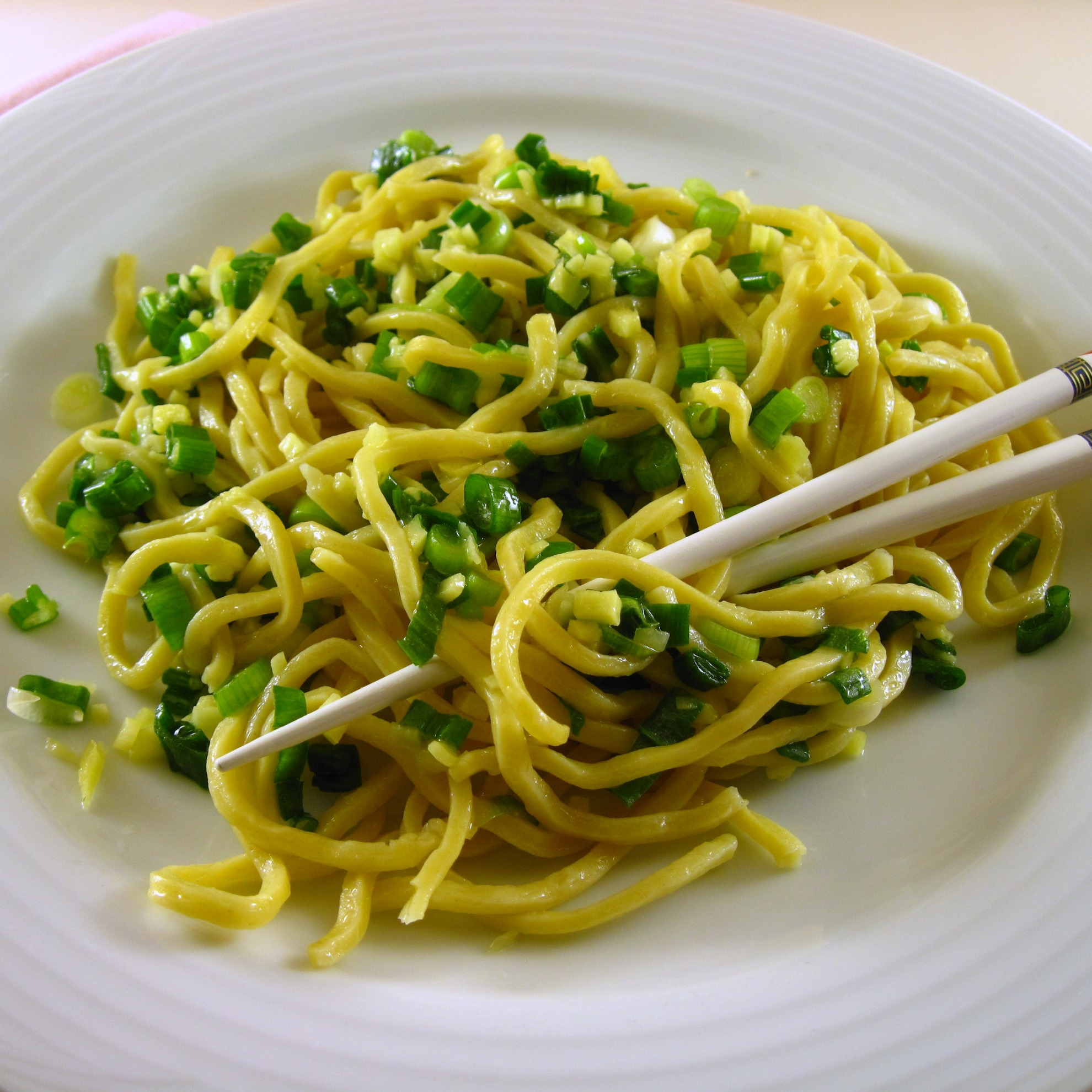 Noodles with Ginger Scallion Sauce