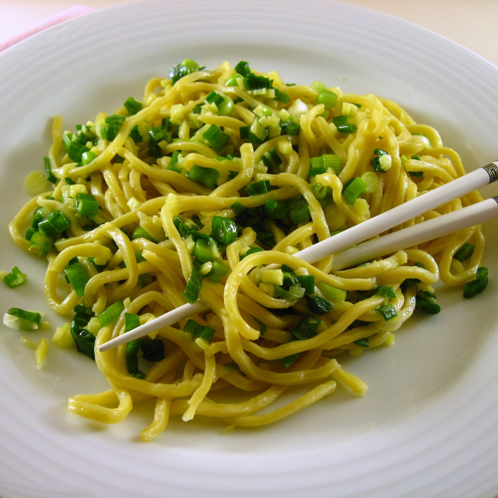 Noodles with ginger scallion sauce 3