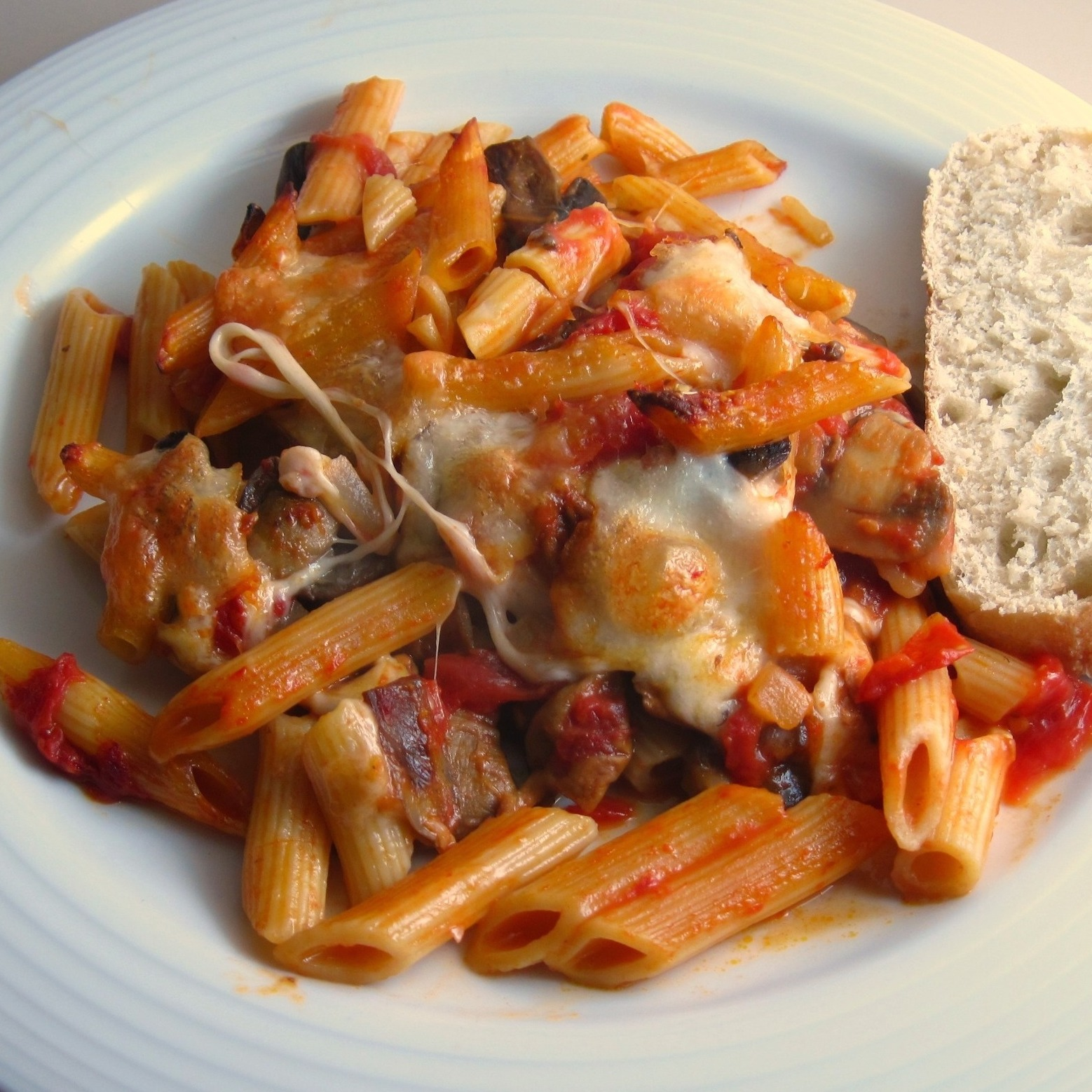 Baked Penne with Mushrooms and Mozzarella
