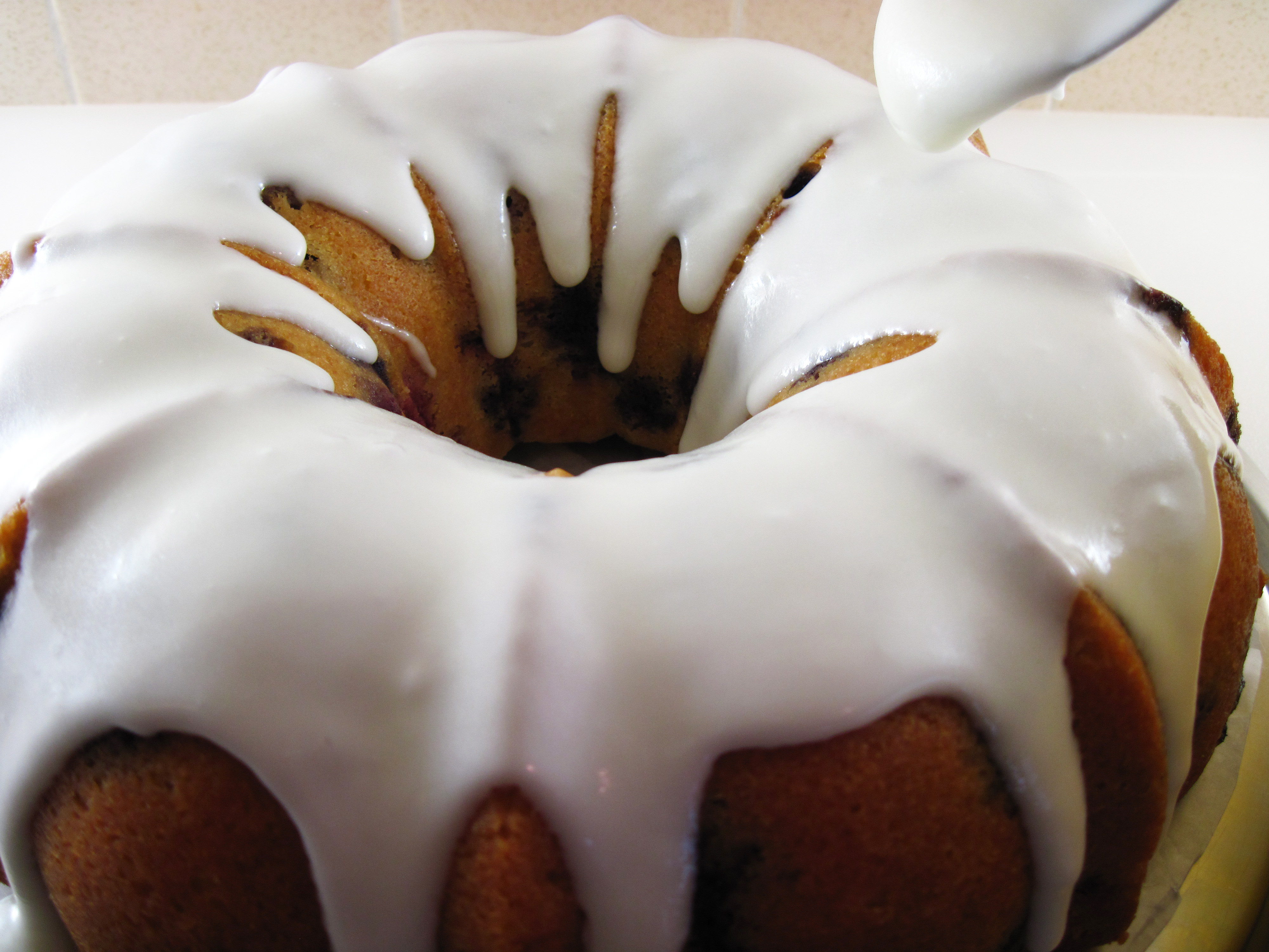 Summer Berry Buttermilk Bundt Cake | In the kitchen with Kath