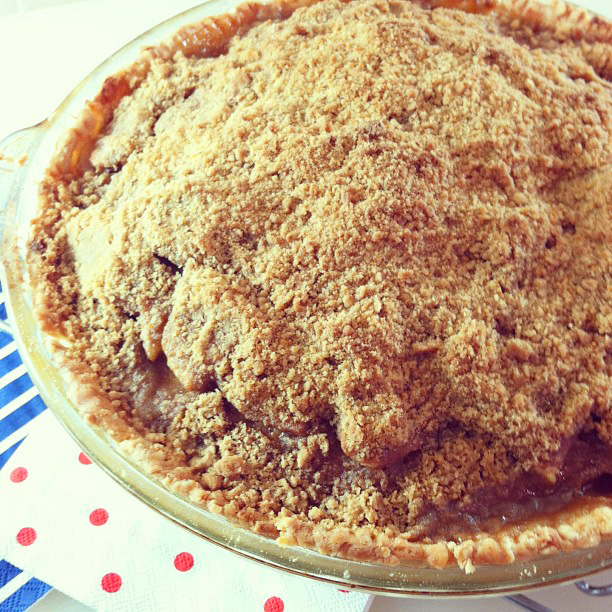 Cinnamon Crumble Apple Pie | In the kitchen with Kath