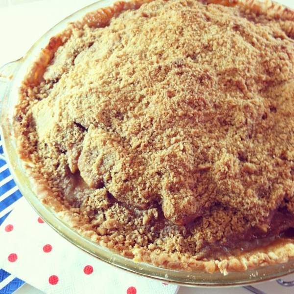 instagram Cinnamon Crumble Apple Pie