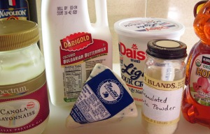 Ingredients for blue cheese dressing_edited-1
