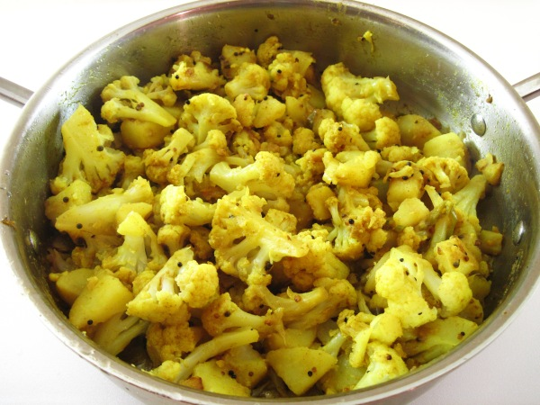 Curry House Cauliflower (Aloo Gobhi)
