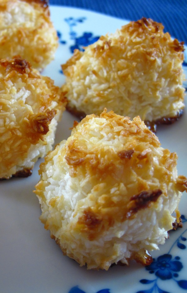 Coconut macaroons a