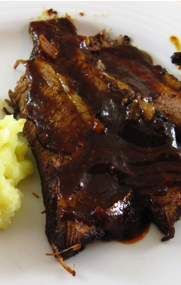 Tall Brisket with Berbere & Whiskey Barbecue Sauce 2