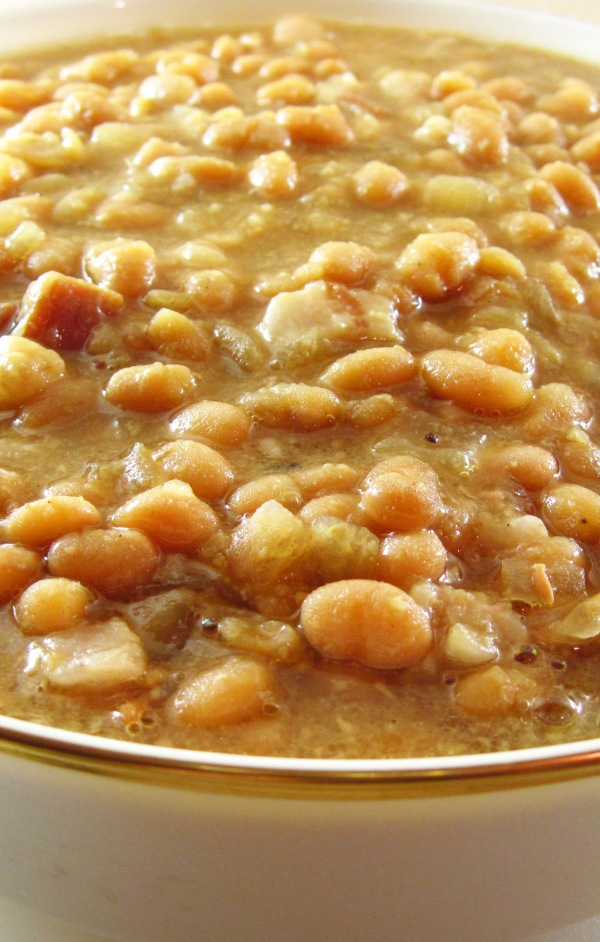 5 Slow Cooker Maple Baked Beans