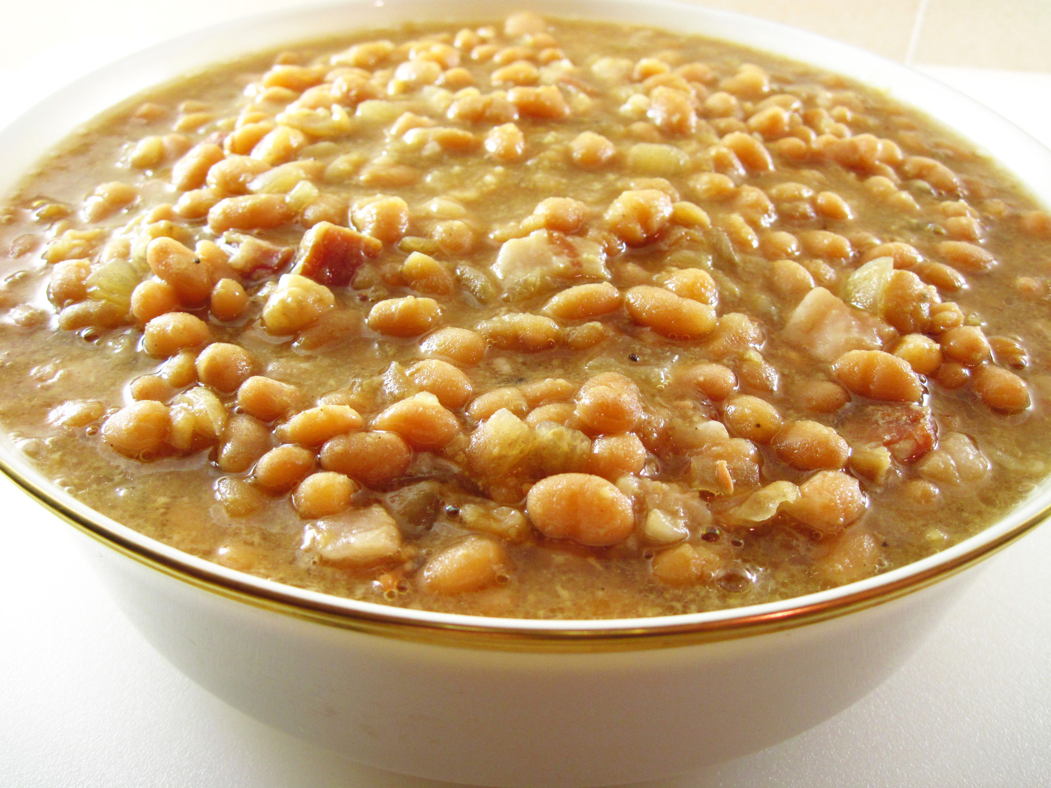 Slow Cooker Maple Baked Beans | In the kitchen with Kath